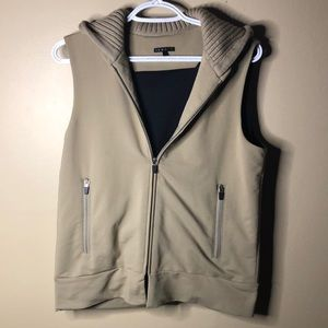 Theory hooded vest